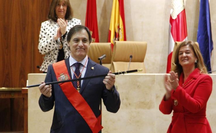 Toma de posesión de Carlos García Carbayo como nuevo alcalde de Salamanca