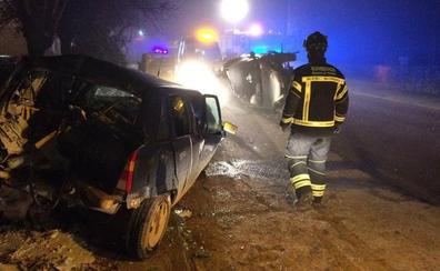 Herido grave al chocar contra otro turismo aparcado en la localidad vallisoletana de Villabrágima