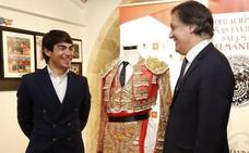 El Museo Taurino recibe el traje de luces con el que Domingo López-Chaves confirmó su alternativa