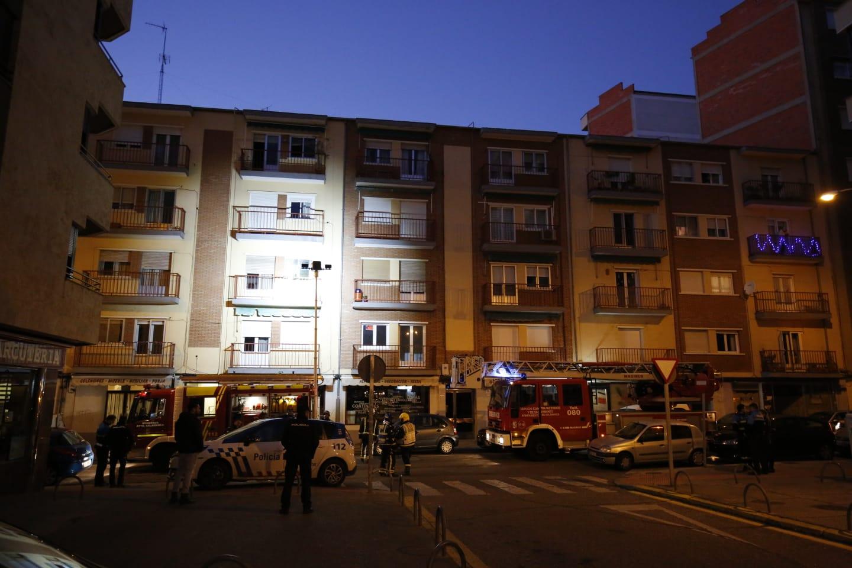 Alarma en la calle Nicaragua de Salamanca al intentar un hombre darle fuego a su propia casa