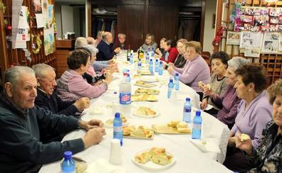 Los jubilados de Baltanás brindan por el Año Nuevo y celebran la Navidad