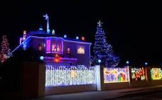 Roban parte de la decoración navideña de 'La casa de las luces' de Aldeamayor, en Valladolid