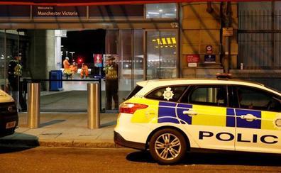 Antiterrorismo investiga el ataque con un cuchillo en fin de año en Mánchester