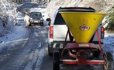 El hielo dificulta la circulación en siete carreteras de Segovia