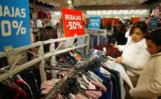 La contratación en rebajas crecerá más que las ventas
