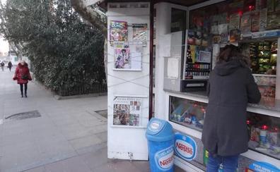 Desvalijan dos quioscos en Valladolid y huyen con dos mil euros en tabaco y chocolatinas