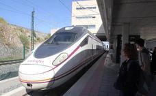 Renfe incrementa con ocho trenes diarios los servicios Avant entre Segovia y Madrid