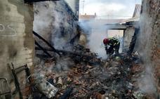 Un incendio calcina un garaje de la localidad vallisoletana de Traspinedo