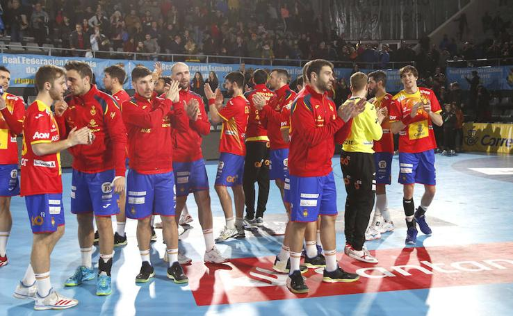 Palencia arropa a la selección española de balonmano (1/2)