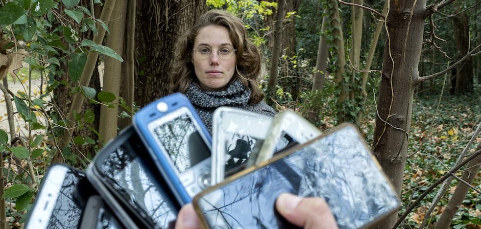 Así te puedes deshacer de tus móviles de forma ecológica y solidaria en Valladolid