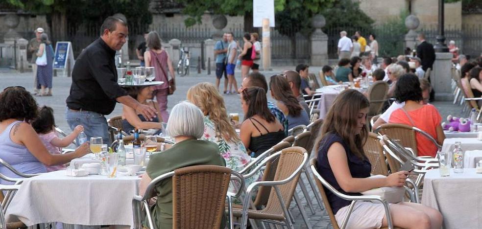 Dos personas salieron del paro y tres encontraron un empleo en Segovia cada día de 2018