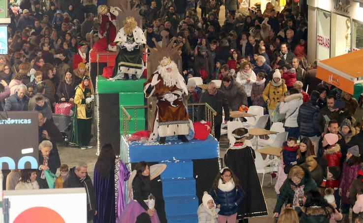 Cabalgata de Reyes en la calle Mantería de Valladolid
