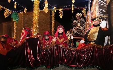 Los Reyes Magos desfilan por los pueblos de Segovia