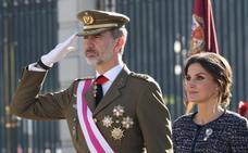 El Rey reivindica la bandera como símbolo «de todos» en la Pascua Militar