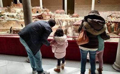 El belén de la Diputación recibe a 13.000 personas estas Navidades