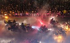 Las obras en la Plaza Mayor obligan a cambiar el recorrido del desfile de antorchas de Pingüinos