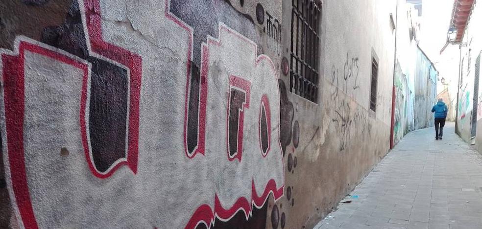 Los grafiteros vuelven a la carga en Peñafiel
