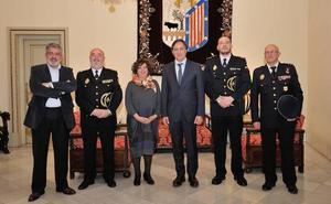 Las autoridades locales dan la bienvenida al nuevo comisario de Salamanca