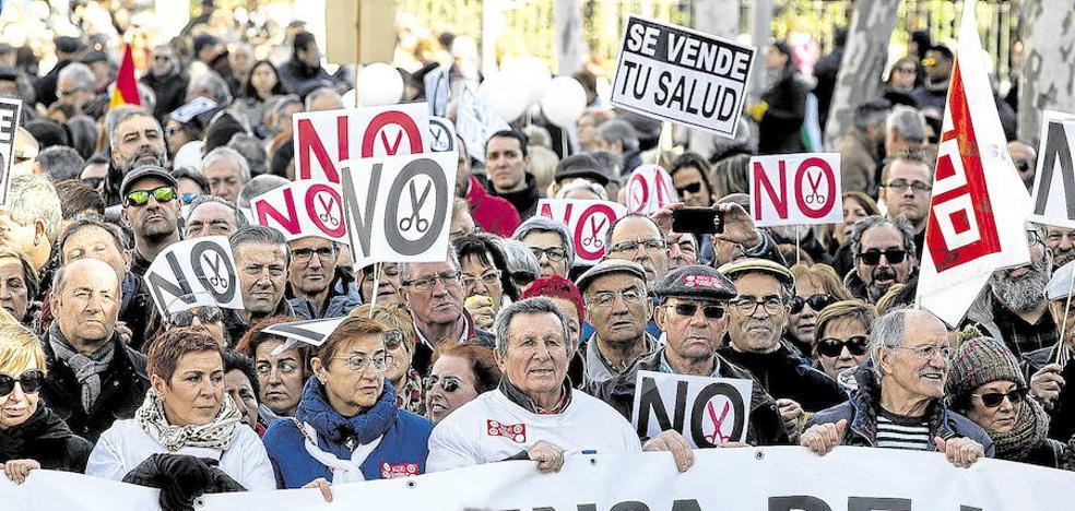 La marea blanca vuelve a Valladolid con la falta de médicos y presupuestos como prioridad