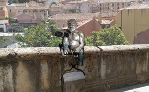 Segovia pone cara al diabillo de San Juan