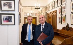El Procurador del Común aboga por modernizar la institución y acercar su labor a la ciudadanía