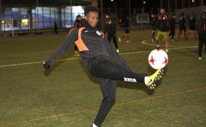 El Palencia Cristo prueba al joven jugador francés Khemis Bryan