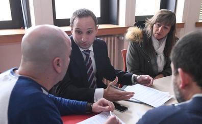 Sindicatos y patronal recurren contra la Junta por no registrar el convenio de Hostelería