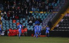 Posible sanción al Salamanca CF por el lanzamiento de un botellín tras el 1-2 del Fuenlabrada