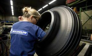 Michelin deberá abonar íntegra la paga extra a las mujeres que cogen baja por maternidad