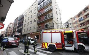 Sofocan un incendio en la cocina de un piso en la calle Bolivia