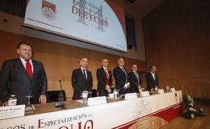 Casi 300 juristas de 20 países asisten a los Cursos de Especialización en Derecho
