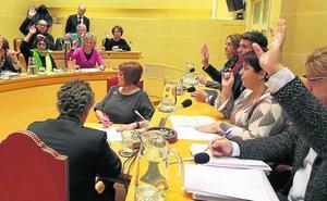 La alcaldesa teme que la oposición rechace el presupuesto municipal