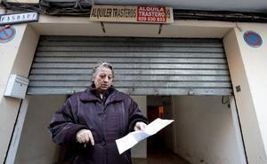 La mujer que vivía en un trastero con su hijo se traslada a un hotel