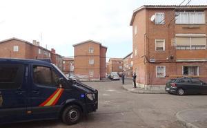 En libertad con cargos el 'Monchín' que se entregó tras salir en un vídeo pegando tiros al aire en Las Viudas