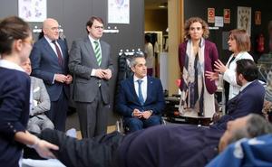 Dolors Montserrat asegura que cada castellano y leonés tendrá que pagar 300 euros más en impuestos
