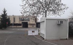 UGT critica el cierre de la caseta de Dornier en el 'parking' de la Feria de Muestras para evitar poner un baño