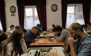 Trabajada victoria del líder en la quinta ronda del provincial de clubes de ajedrez