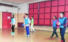 Los alumnos del Santa Clara aprenden un nuevo deporte a través del Erasmus