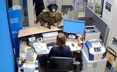 Detenido el autor del robo de un banco en Badajoz vestido de guardia civil cf7acd4ed393
