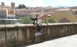 El juez desestima la suspensión cautelar que reclamaban los 'enemigos' del diablillo de Segovia