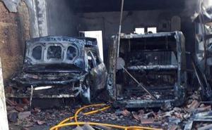 Un incendio calcina un garaje en la localidad vallisoletana de Villagarcía de Campos