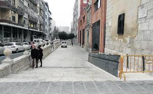 La iglesia de San Lorenzo estrena firme y barandillas para evitar caídas