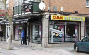 Tres encapuchados revientan con mazas las tragaperras de un bar de la avenida San Telmo, en Palencia