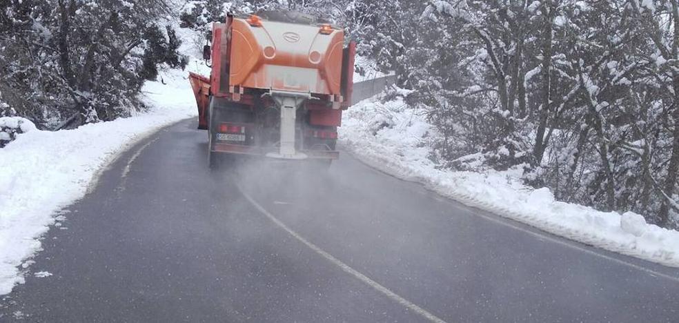 la Diputación tiene «listo» el dispositivo para actuar contra la nieve en las carreteras de Segovia