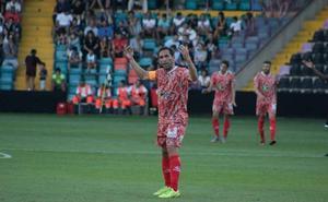 El CD Guijuelo busca consolidar su recuperación ante el peor rival posible, el líder