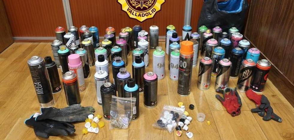 Intervenidos 63 sprays de pintura a cinco jóvenes en Valladolid