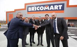 Bricomart comienza a andar en Salamanca con cerca de 100 empleados y tras 11 millones de inversión