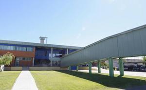 La cárcel de Topas tiene vacantes el 20% de las plazas de funcionarios y la plantilla más envejecida de la región