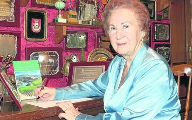 La poeta con un millar de premios es de Valladolid