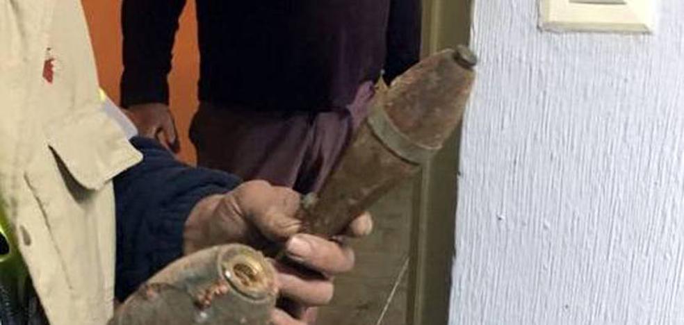 Hallan dos granadas de mortero con carga explosiva en las obras de la Casa del Secretario de Cuéllar